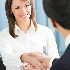 business-woman-shaking-hands